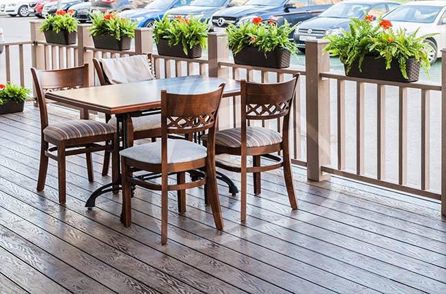 Террасная доска ДПК для ресторанов и кафе