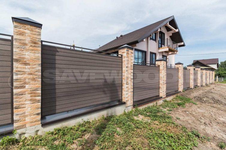 Забор из ДПК для частного дома (2017 год)